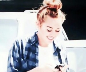 miley cyrus, miley, and icon image