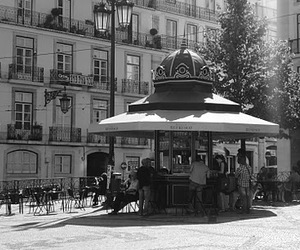 b&w and drinks stand image