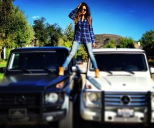 car, khloe kardashian, and kardashian image
