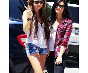 demi, diley, and miley image