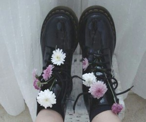 fashion, floral, and grunge image