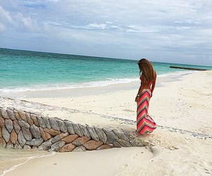 girl, beach, and body image