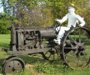 country, mummy, and tractor image
