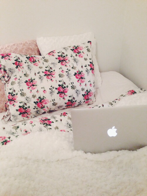 apple, bed, and bedroom image