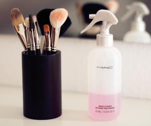 mac, makeup, and Brushes image