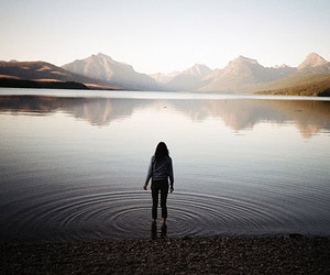 girl, water, and mountains image