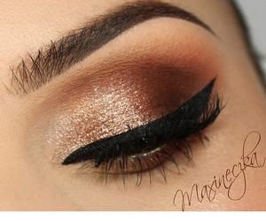beauty, cat eye, and glitter image