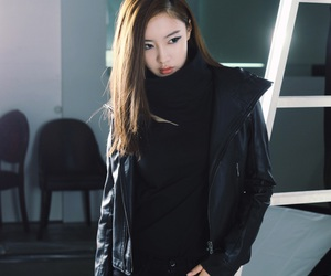 black, fashion, and ulzzang image