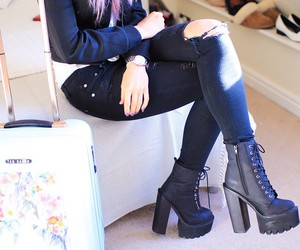 boots, ootd, and inthefrow image