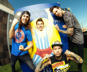 mike fuentes, music, and pierce the veil image