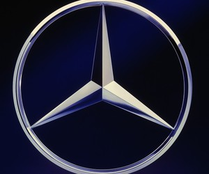 Logo and mercedes benz image