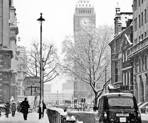black and white, london, and snow image