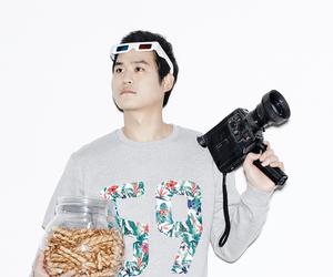 3d glasses, camera, and kim sung kyun image