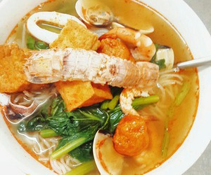 noodle, thai, and seafood image