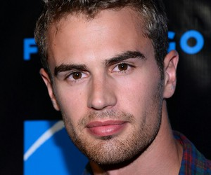 sexy and theo james image