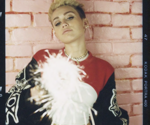 miley cyrus, miley, and bangerz image