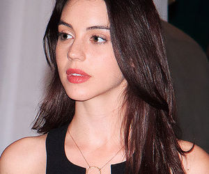 adelaide kane, reign, and actress image