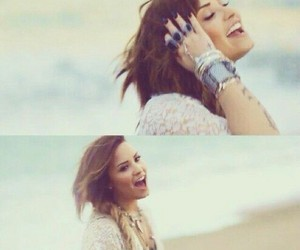 demi lovato, somebody to you, and demi image