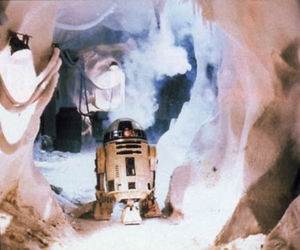 behind the scenes, hoth, and r2-d2 image