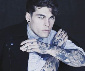 Hot, inked, and model image