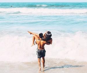 beach, casal, and mar image