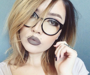beauty, chic, and glasses image