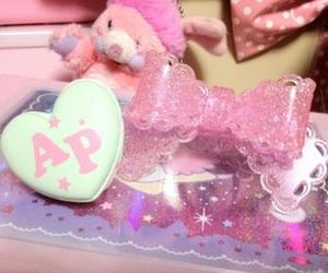 accesories, glitter, and kawaii image