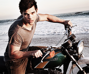 Taylor Lautner, boy, and sexy image