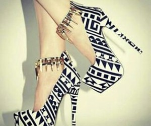awesome, loooove, and black and white shoes image
