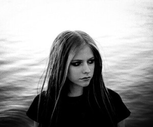 2004, Avril Lavigne, and black and white image