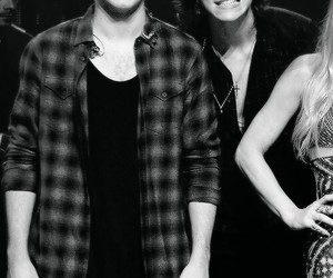 niall horan, Harry Styles, and one direction image