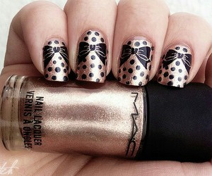 nails, gold, and bow image