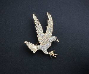 bird brooch, eagle jewelry, and animal brooch image