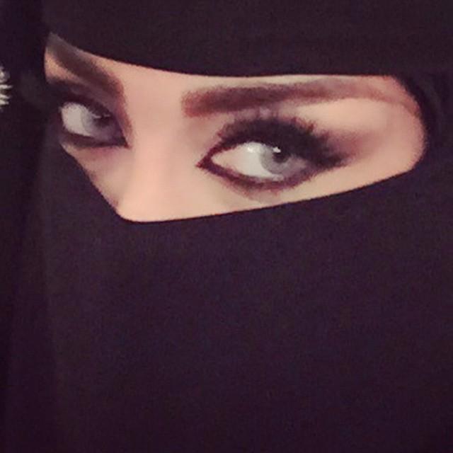 Arab sexy Photographer Yumna