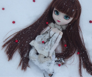 doll, white, and pullip dolls image