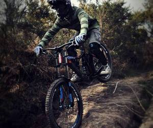 bicyle, bike, and downhill image
