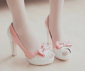 shoes, ulzzang, and babypink image