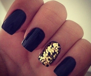 beauty, black nails, and black and gold image