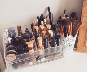 makeup and makeup storage image