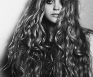 hair, black and white, and long hair image