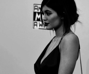 kylie jenner, fashion, and black and white image
