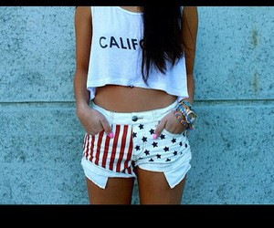 cali.-belly top and usa.-shorts image