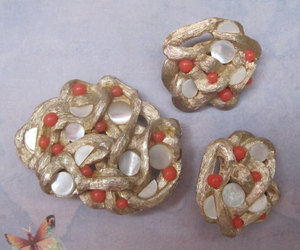 coral, gold, and sarah coventry image