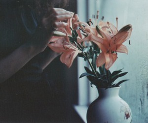 flowers, indie, and grunge image