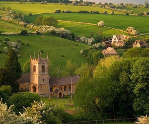 england and cotswold village image