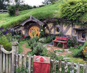 hobbit, jrr tolkien, and new zealand image