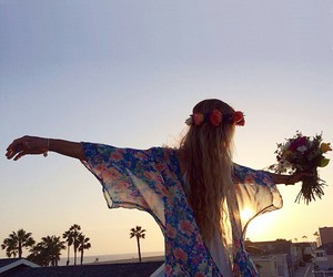 flores, menina, and empinando image