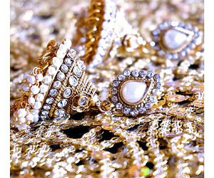accessoires, beauty, and earring image