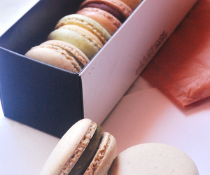 macaroons and sweet image