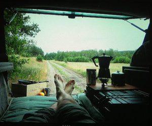 car and trip image